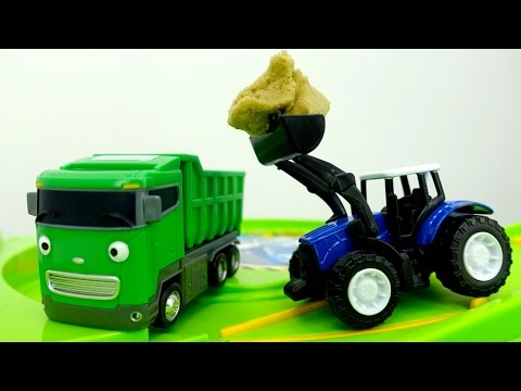 Tayo toy cars & toy cars videos. Helper cars: toy tractor  and toy truck  Машины помощники.