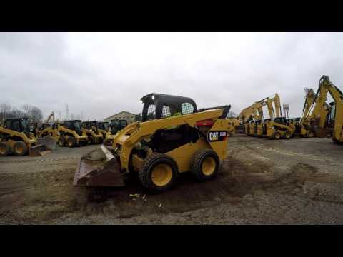 CATERPILLAR MINICARREGADEIRAS 262D equipment video 4QIV23jgEiY