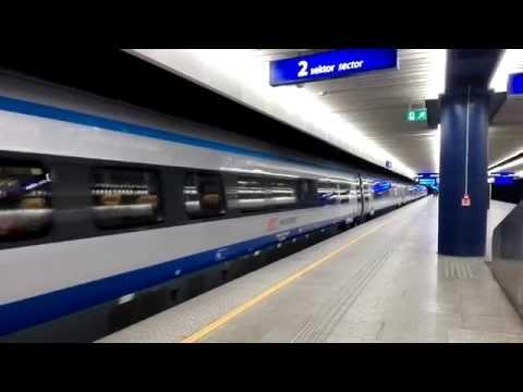 Train Poland Warsaw (Warszawa Centralna) Krakow Glowny Pendolino InterCity
