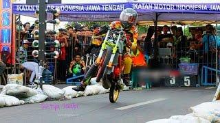 Video Tr4gis!! Joki Ninja Pemula Jatuh Saat Start Drag Bike Terbaru MP3, 3GP, MP4, WEBM, AVI, FLV Februari 2018