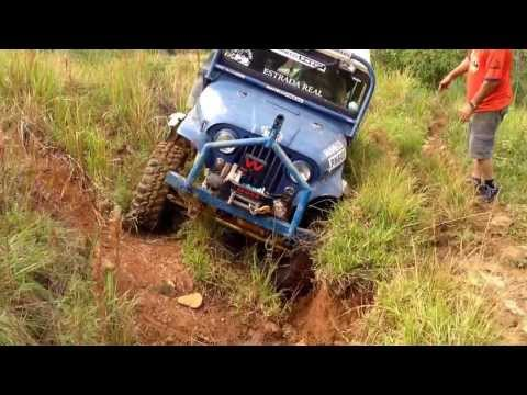 Trilha de Jeep em Santa Bárbara do Tugúrio. Trilha do Japão 3. Muita pedra e cavas imensas.