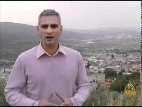 مسيرة حياة الشاعر الفلسطيني سميح...