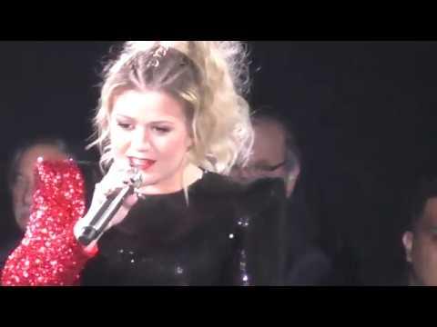 Kelly Clarkson - Walk Away @Allstate Arena - Chicago, IL - 2/22/2019
