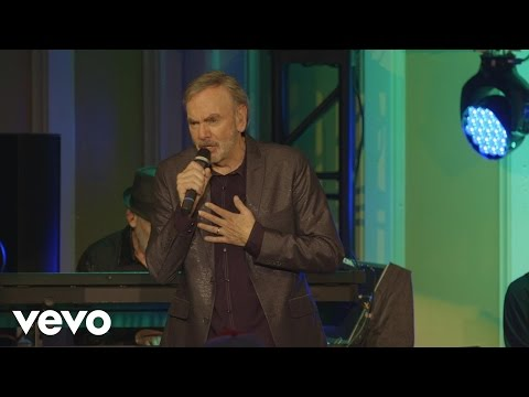 Video Neil Diamond - Sweet Caroline download in MP3, 3GP, MP4, WEBM, AVI, FLV January 2017
