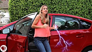 Video Avoid electric shock getting out of a car! MP3, 3GP, MP4, WEBM, AVI, FLV Juli 2018