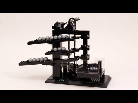 Kreativt byggd legoklocka