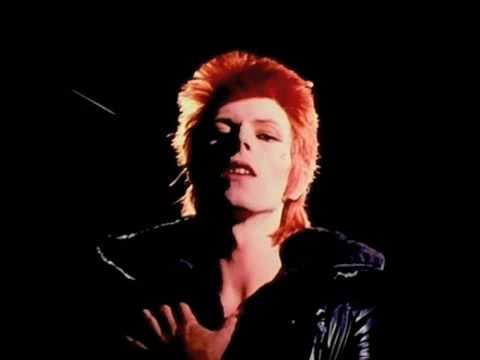 Tekst piosenki David Bowie - John, I'm Only Dancing po polsku