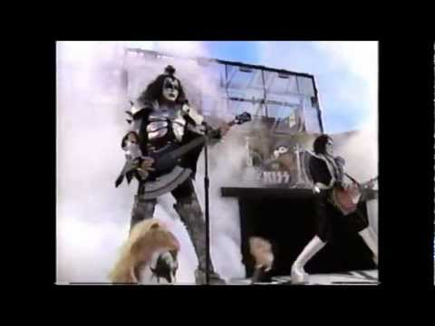 KISS performs at Super Bowl XXXIII