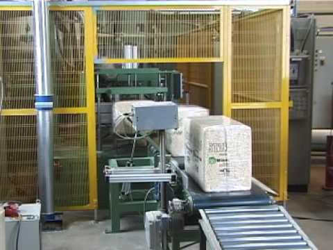 Baling line for wood shavins by Fisker Skanderborg A/S