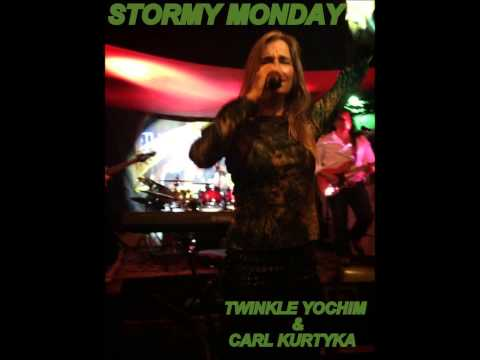 Schascle - Twinkle Schascle Yochim sings STORMY MONDAY @ THE CABANA INN, Sarasota, Florida, on 27September 2013 with Carl