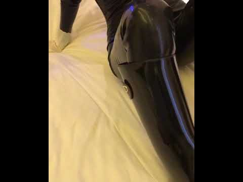 Rubber catsuits (видео)