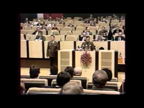 Zdeněk Zbytek nabízí rolníkům pomoc armády v družstvech a na polích (1989)