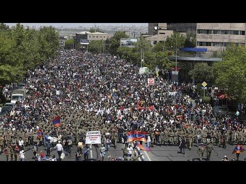 Massenfeiern in Armenien nach Sargsjan-Rücktritt
