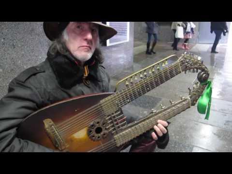 🎸СЕРГЕЙ САДОВ играет музыку народов мира! Автор оригинального  музыкального инструмента 🎸САДОРА!