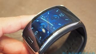 Hands-on: http://www.slashgear.com/samsung-gear-s-hands-on-wildly-wireless-wearable-03344085/