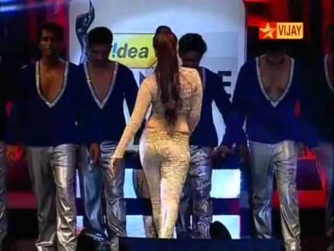 2012 Filmfare Awards - navel hot song by milky beauty...... comment on her navel show.