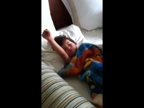 Isä herättää pojan – Musat soimaan!