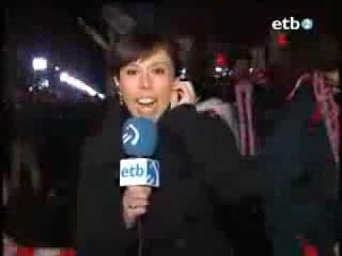 Fan gets freaky with reporter