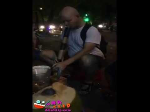 Khi anh Tây hút thuốc Lào =))