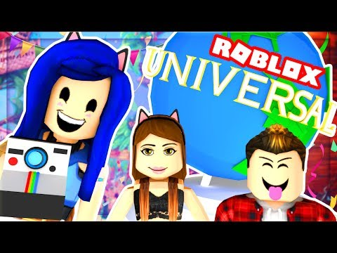 OUR FIRST TIME AT UNIVERSAL STUDIOS IN ROBLOX! WE JUMP OFF A ROLLER COASTER! (Roblox Roleplay)