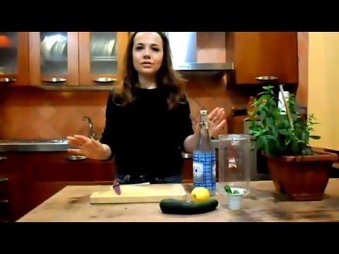 come preparare l'acqua detox o acqua depurativa
