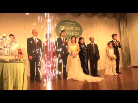 Vợ chồng Giáo sư Xoay song ca trong đám cưới