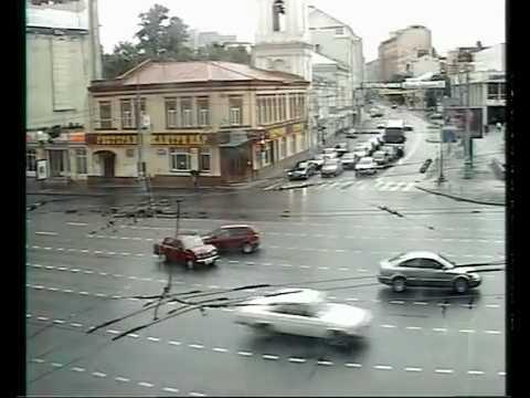 Driving Cars In Russia Doesn't Look Like Fun