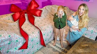 Video Everleigh and Savannah had NO idea I was surprising them with this GIANT gift!!! MP3, 3GP, MP4, WEBM, AVI, FLV Januari 2019
