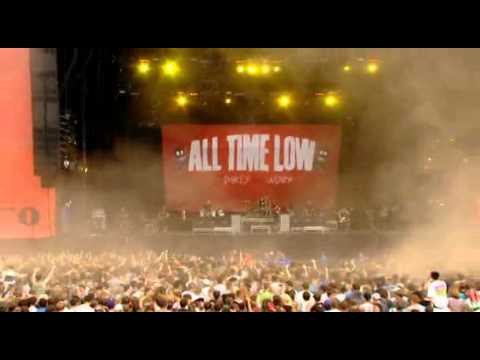 All the small things live in concert(blink 182)