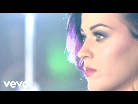 """Katy Perry - Making of the """"Firework"""" Music Video"""