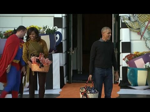 العرب اليوم - شاهد: باراك أوباما وزوجته على خدمة