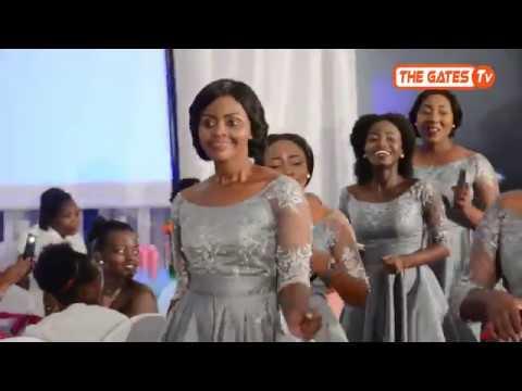 Maids wa Frida walivyoingia ukumbini / Mc Harris Kapiga / THE GATES TV
