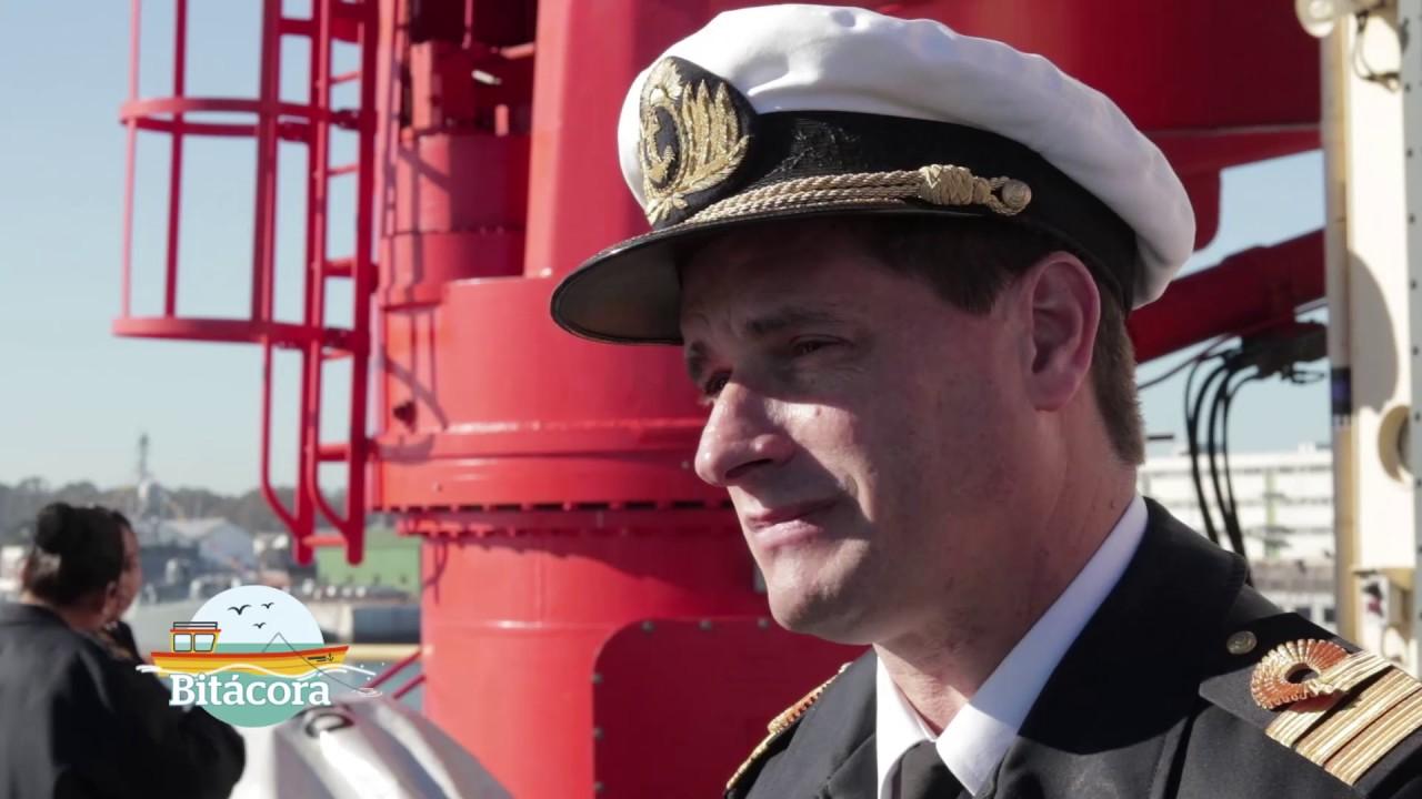 Rompehielos Almirante Irizar en la Base Naval de Puerto Belgrano