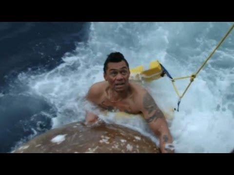 Deckhand Jumps Overboard | Deadliest Catch