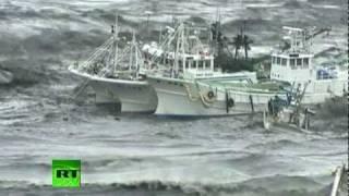 Video of mad tsunami waves battering ships, homes, cars after Japan earthquake
