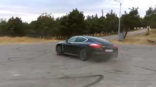 Download Lagu Porsche Panamera 4S doing donuts Mp3