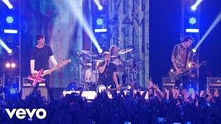 5 Seconds of Summer - She Looks So Perfect (Vevo Certified Live)