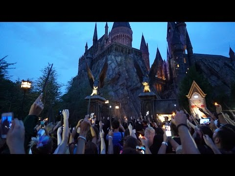 an analysis of the civil rights in the wizarding world in the harry potter series Guests will explore guides, make an herbal potion inspired by the wizarding world, and toast harry potter's birthday with a magical cocktail the cost is $20 per person, and sessions start from 6 .