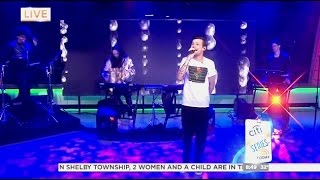 Louis Tomlinson - Just Hold On - Live