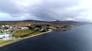 Nunca pensé que podía conocer las Islas Malvinas, un destino lejano y extraño, a pesar de la cercanía geográfica y de lo cerca nos toca a los argentinos en el ...