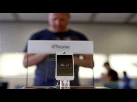 iphone 5 components - The combined cost of the components for the iPhone 5 is estimated at $197, or only $9 more than for the iPhone 4S, Arik Hesseldahl reports on digits. Photo: ...