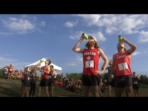 Beer Mile Rennen in Berlin: Nach jeder gelaufenen Rund ...