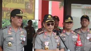 Kapolri Jenderal Pol Tito Karnavian menyesalkan peristiwa penembakan mobil berisi satu keluarga oleh polisi di Sumatera Selatan. Polisi memang punya kemampuan diskresi, namun hanya bisa diterapkan dalam keadaan tertentu terhadap pelaku kejahatan. Saat ini polisi yang menembak tersebut masih diperiksa secara internal oleh Polres Lubuk Linggai dan Divisi Propam Polri.(AMBAR)