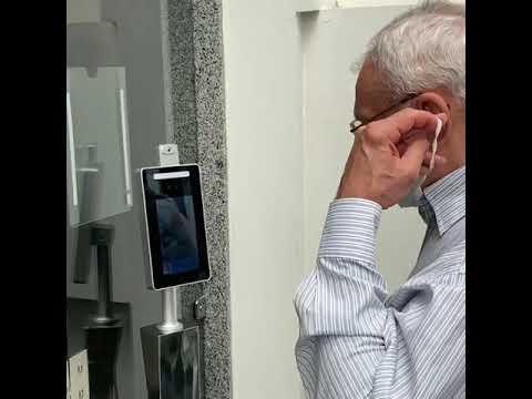 Leitor da Zênite com reconhecimento facial, detecção de uso de máscara e verificação de temperatura