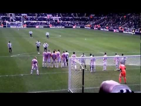 stoke - As Yohan Cabaye lined up to take his free kick, Newcastles #27 Steven Taylor is seen mirroring the movements of Asmir Begovic. Many people have said that thi...