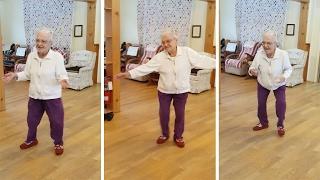 101-latka oszalała, kiedy usłyszała w radiu Elvisa Presleya. Zobacz jej taniec, a nie pożałujesz!