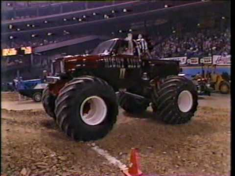 1989 TNT/ RED MAN ALL AMERICAN MONSTER TRUCKS PART 1 FOM THE HOUSTON ASTRODOME....