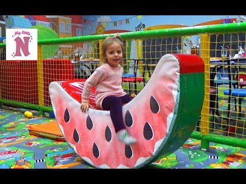 ВЛОГ Детский развлекательный центр Горки батуты кубики шарики kid's intertainment center (видео)
