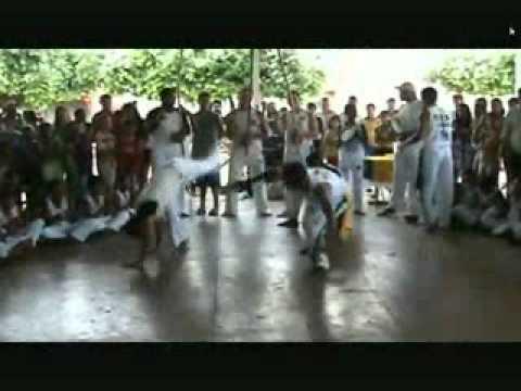 Jogo de capoeira em catuti-mg