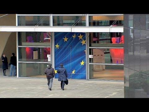 """Poutine accuse l'UE de """"chantage"""" avec l'Ukraine"""